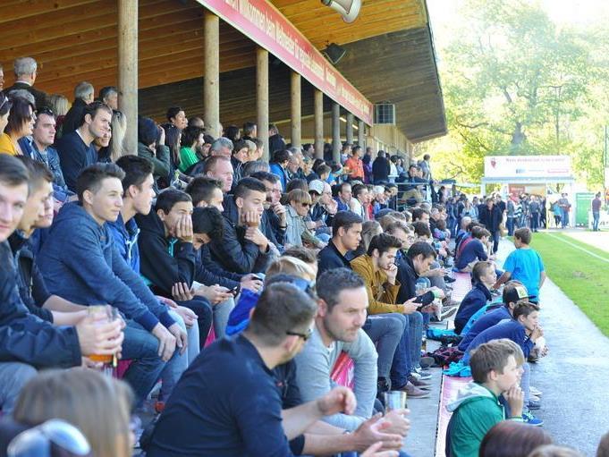 Die zahlreichen Zuschauer bekamen in der Junkerau ein gutes Spiel zu sehen