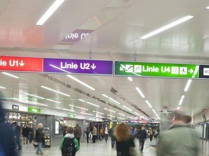 Für die Linie U5 muss noch eine Farbe ausgewählt werden.