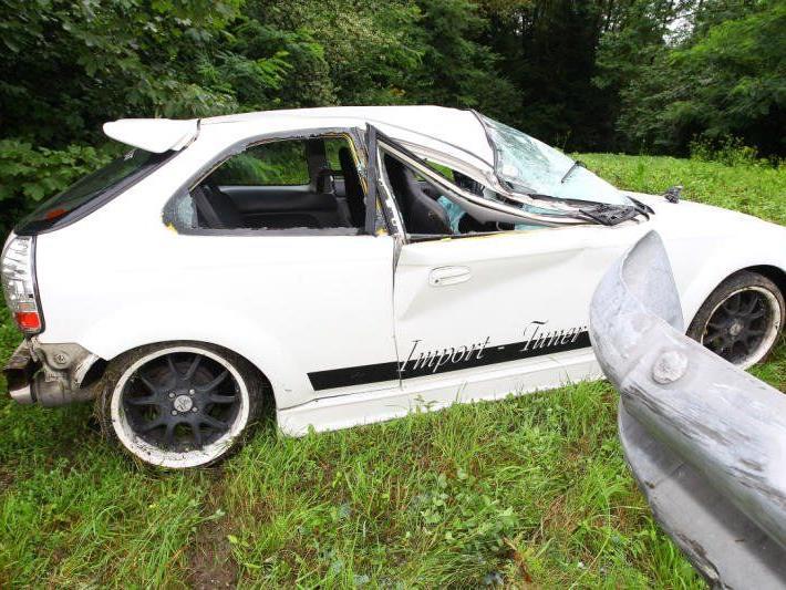 Pkw-Lenker verlor die Kontrolle über sein Fahrzeug