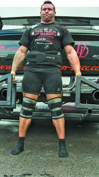 """Beim """"Deadlift"""" muss eine Anfangslast von 300 kg hochgehoben werden."""