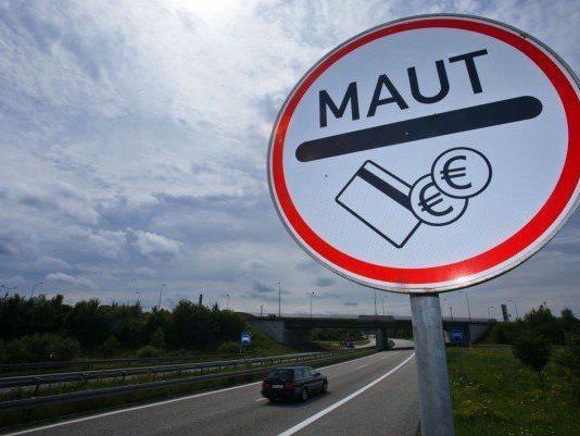 Ab 2016 sind die Straßen in Deutschland kostenpflichtig. - © APA/DPA