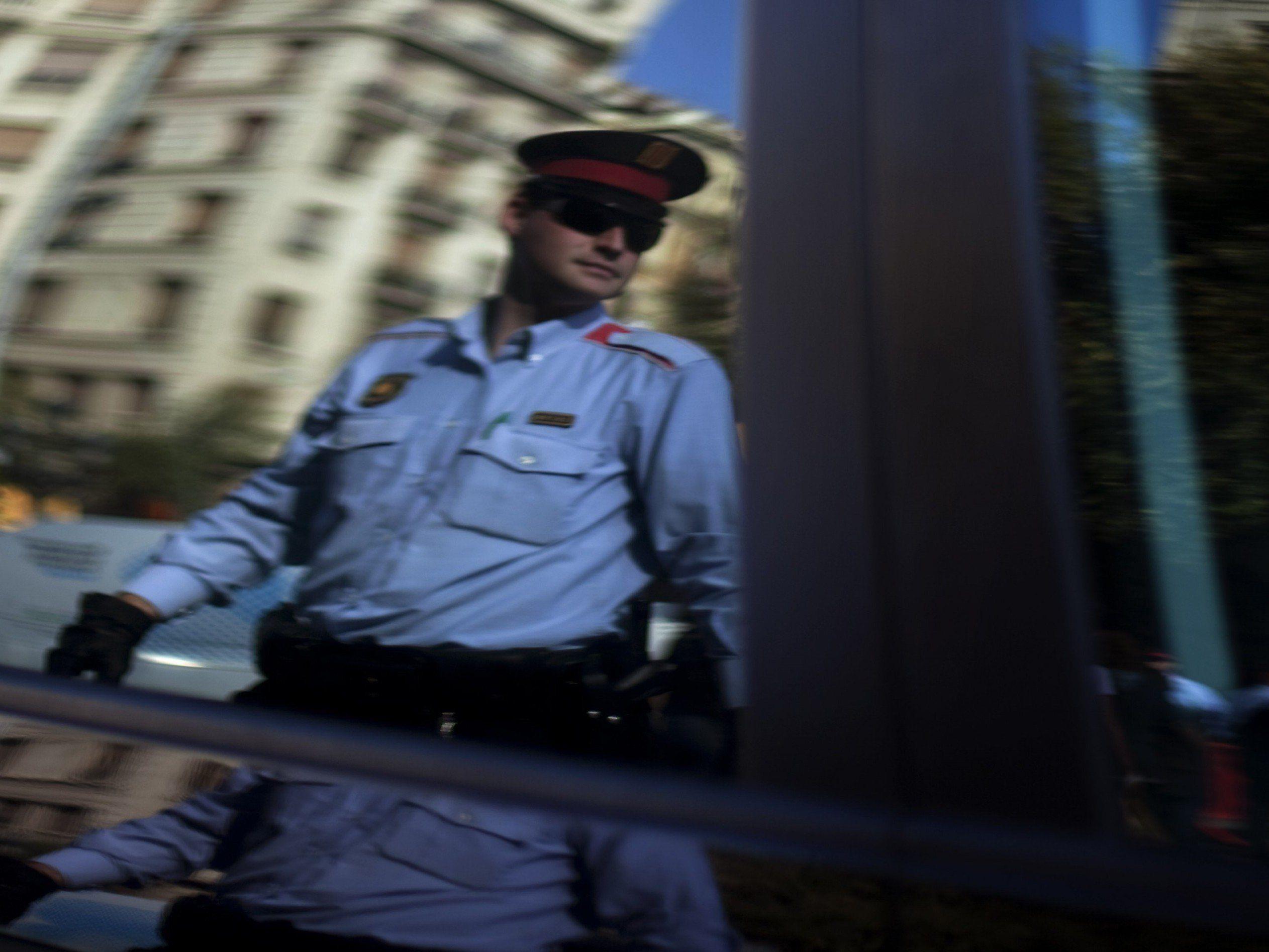 Gruppensex in fahrendem Auto: Schweizer erhielten Strafe wegen nicht angelegter Sicherheitsgurte