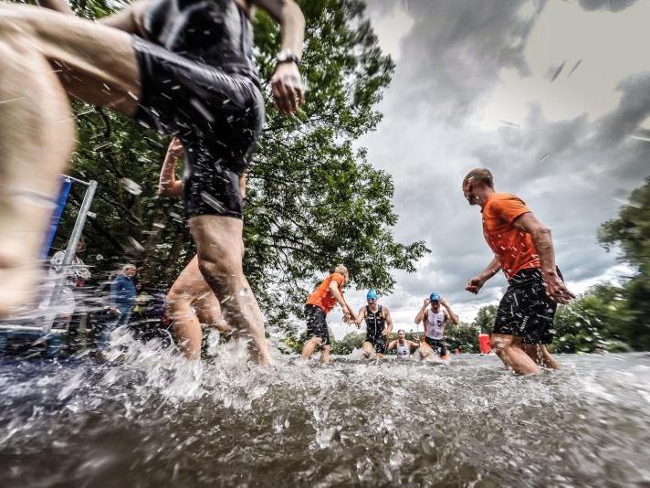 Jannersee Triathlon Nightrace lockte 400 Athleten an und 1500 Zuschauer kamen zum Volksfest.