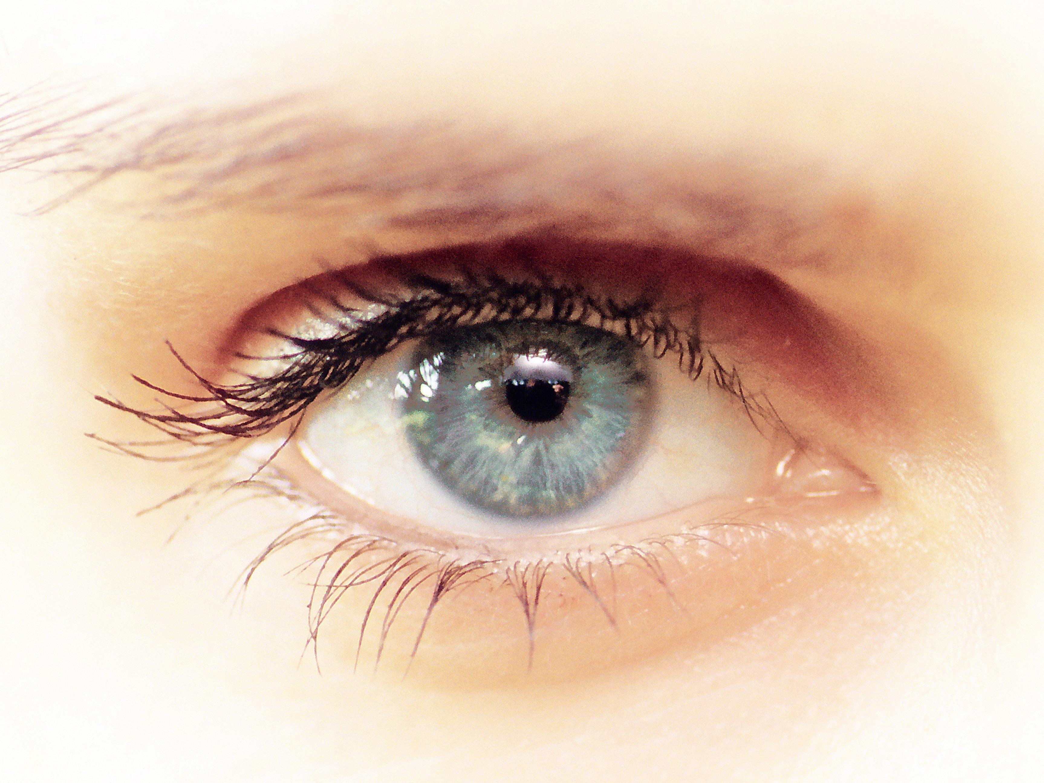 Menschen mit blauen Augen werden offenbar als attraktiver und intelligenter angesehen.