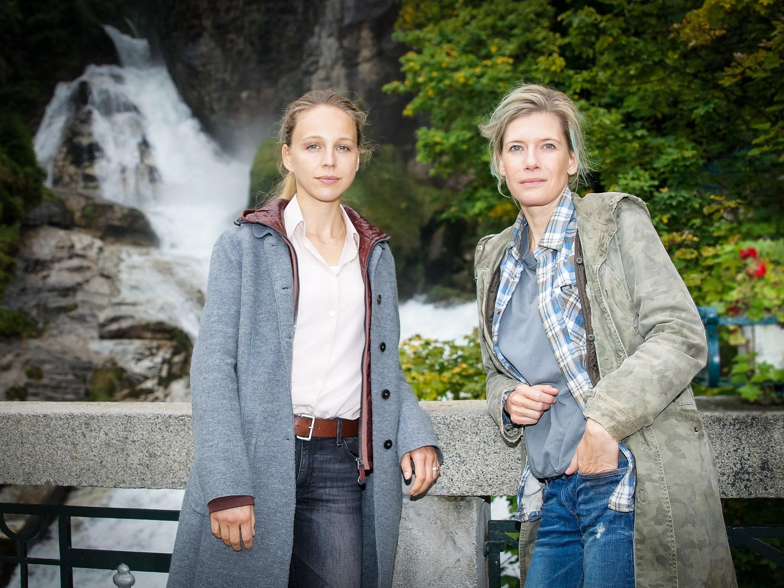 Petra Schmith-Schaller (l.) dreht derzeit u.a. mit Ina Weisse einen TV-Film in Bad Gastein.