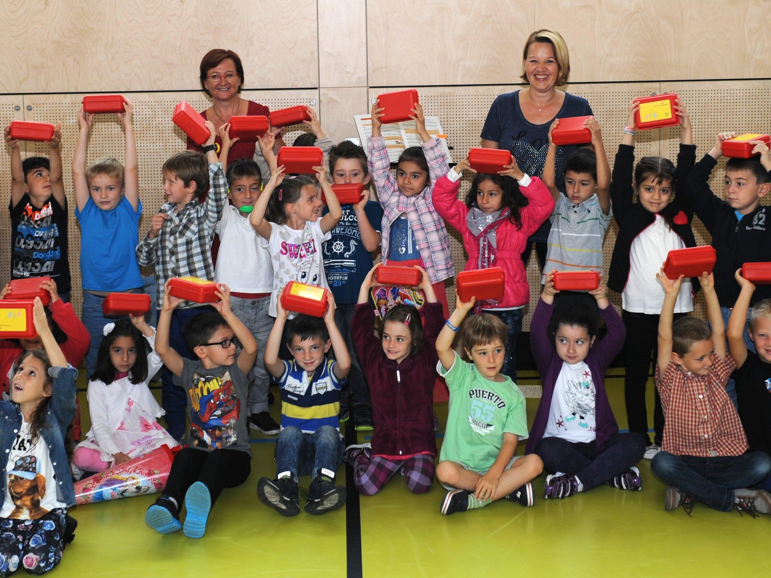 Schüler-Start-Paket wurde heute an die Dornbirner Erstklässler verteilt.