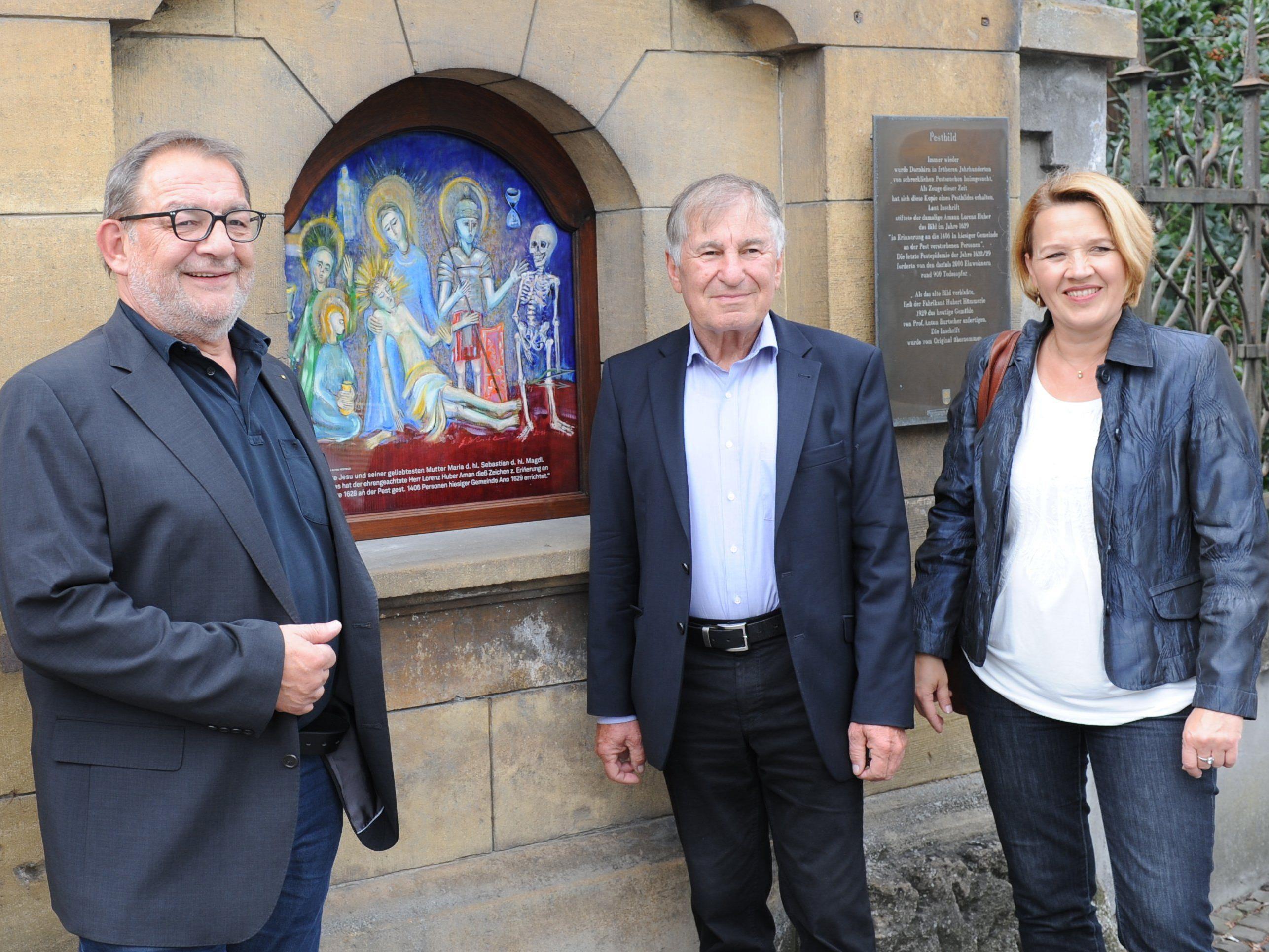 Am 18. September wurde das von Prof. Gerhard Winkler neu gestaltete Pestbild im Oberdorf angebracht.