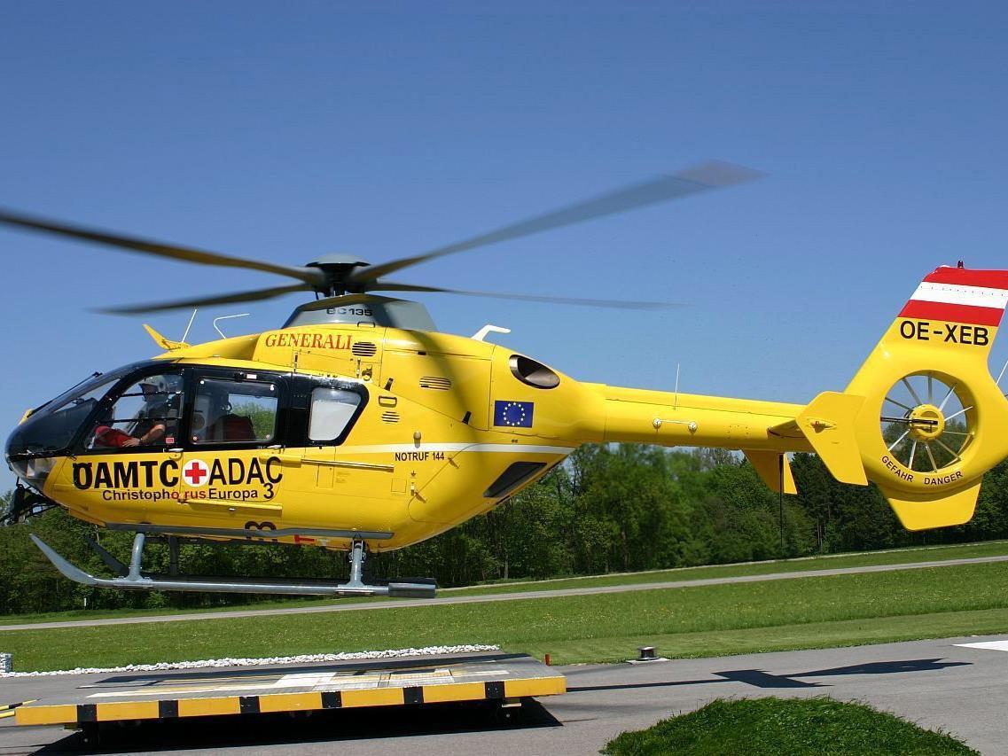 An diesem Wochenende mussten zwei Frauen mit dem Hubschrauber aus ihren alpinen Notlagen gerettet werden.