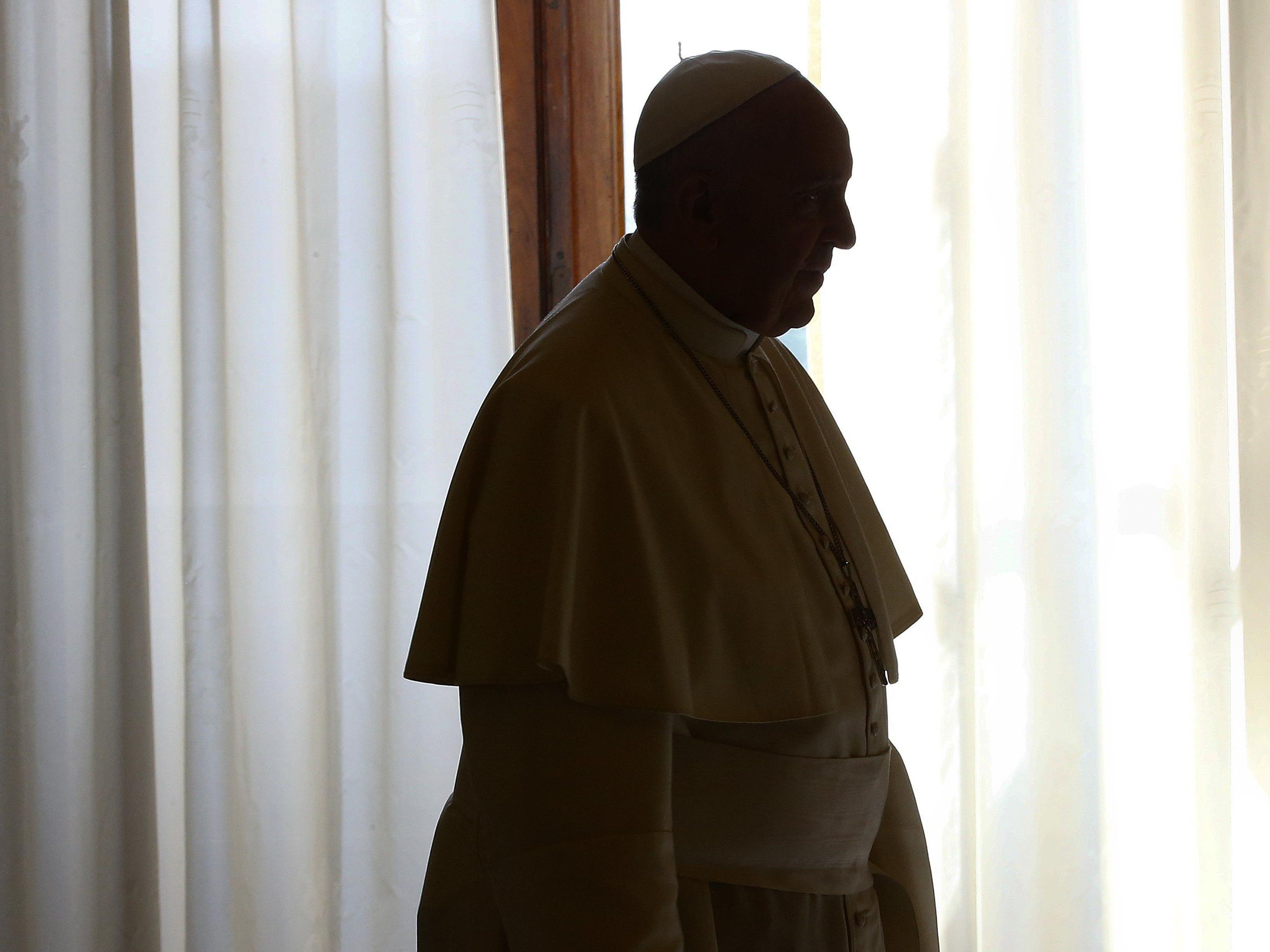 Papst lässt Ex-Nuntius verhaften: Polnischem Geistlichen drohen bis zu 20 Jahre Haft.