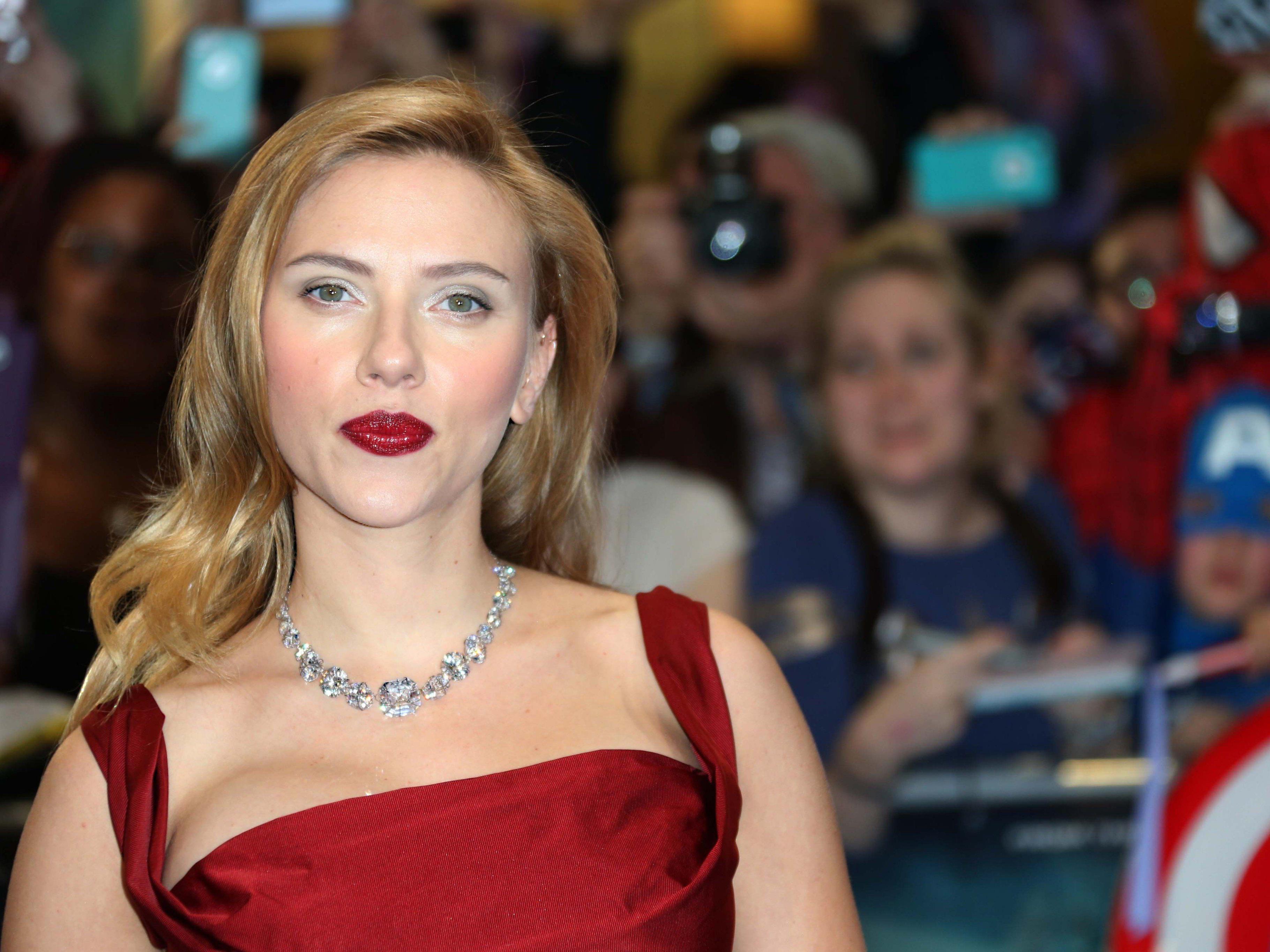 Scarlett Johansson wurde zum ersten Mal Mutter. Sie brachte eine Tochter zur Welt.