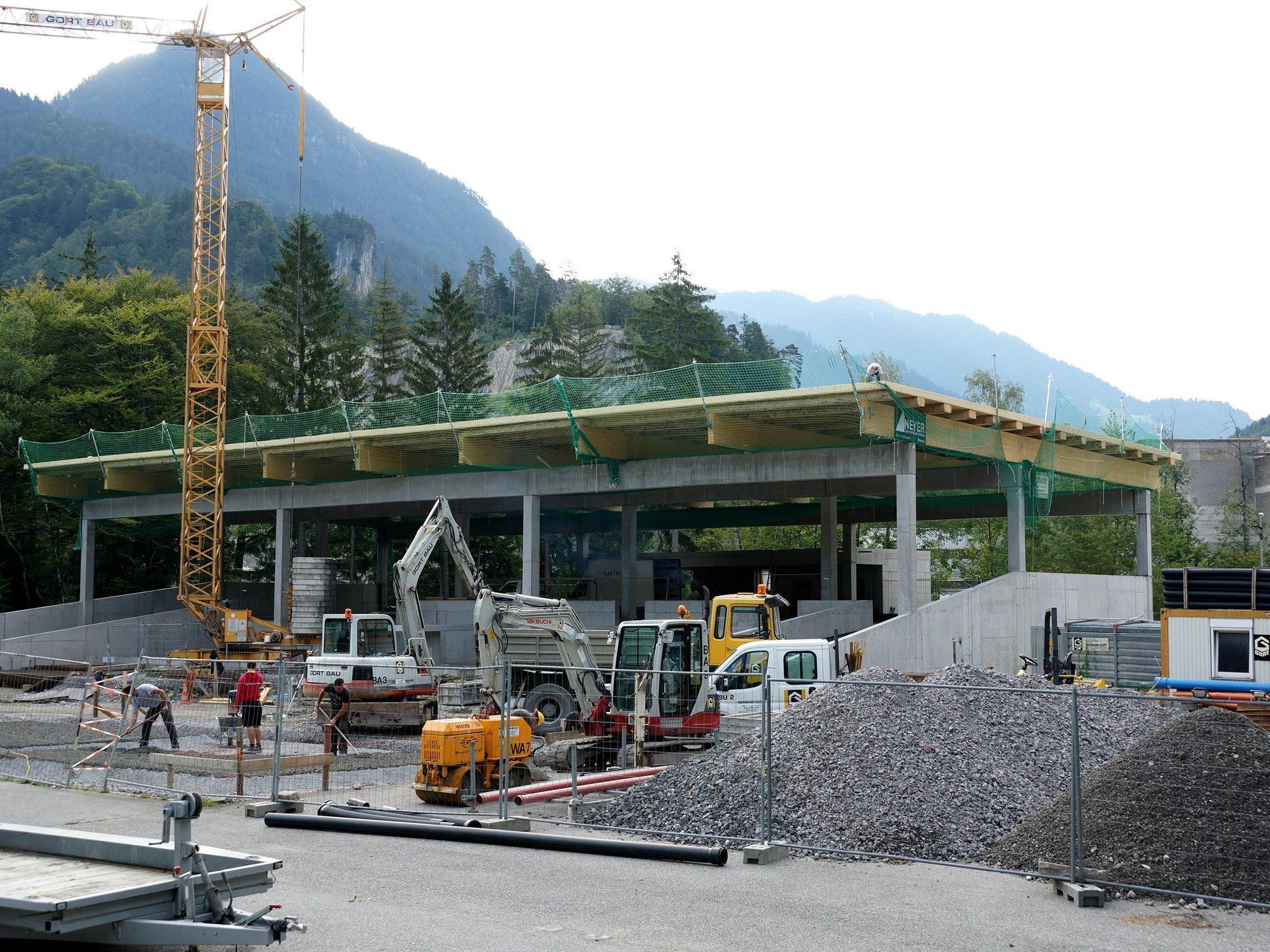 Neues Altstoffsammelzentrum nimmt Form an.
