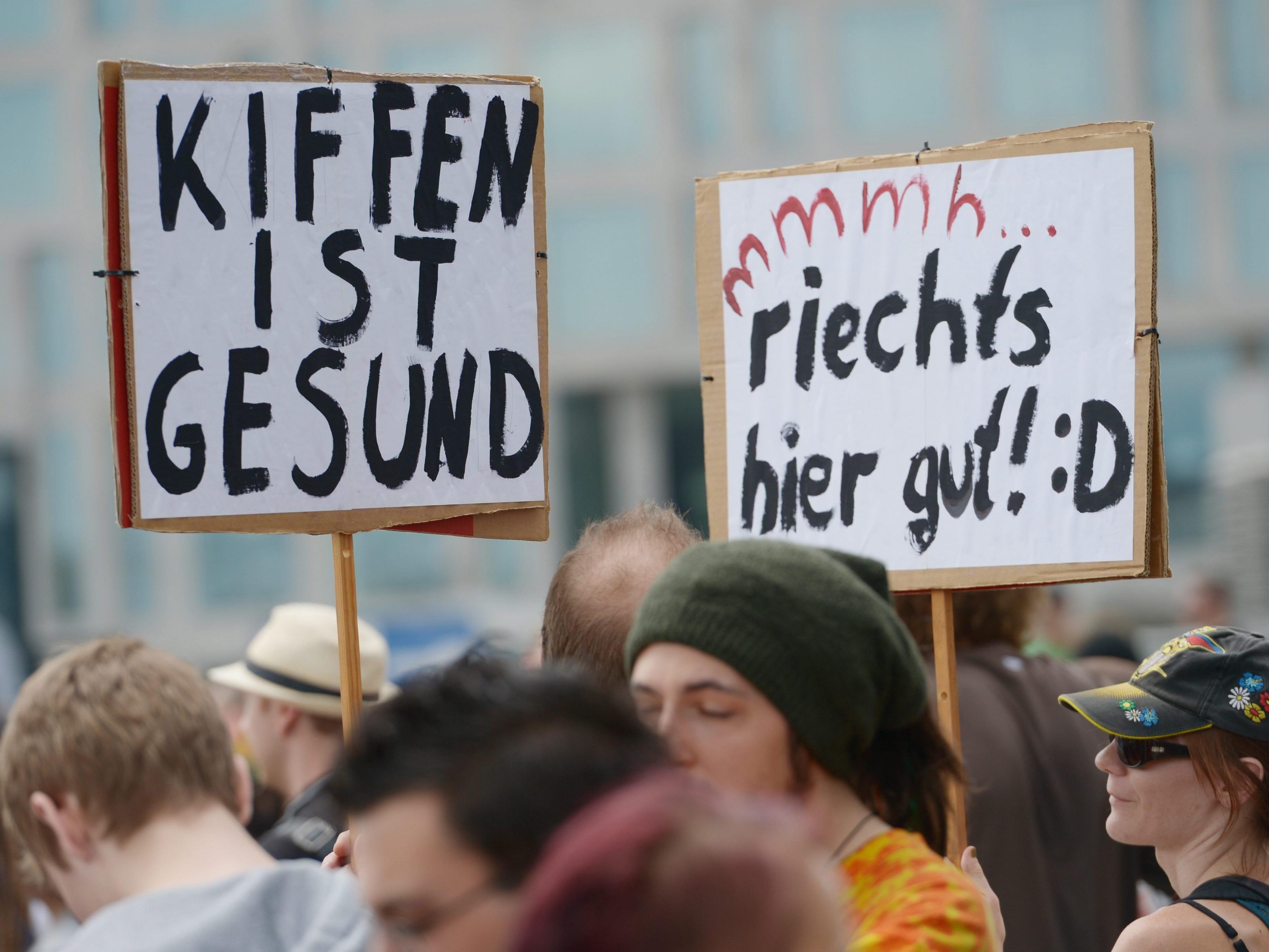 Cannabis-Demonstranten in Berlin.