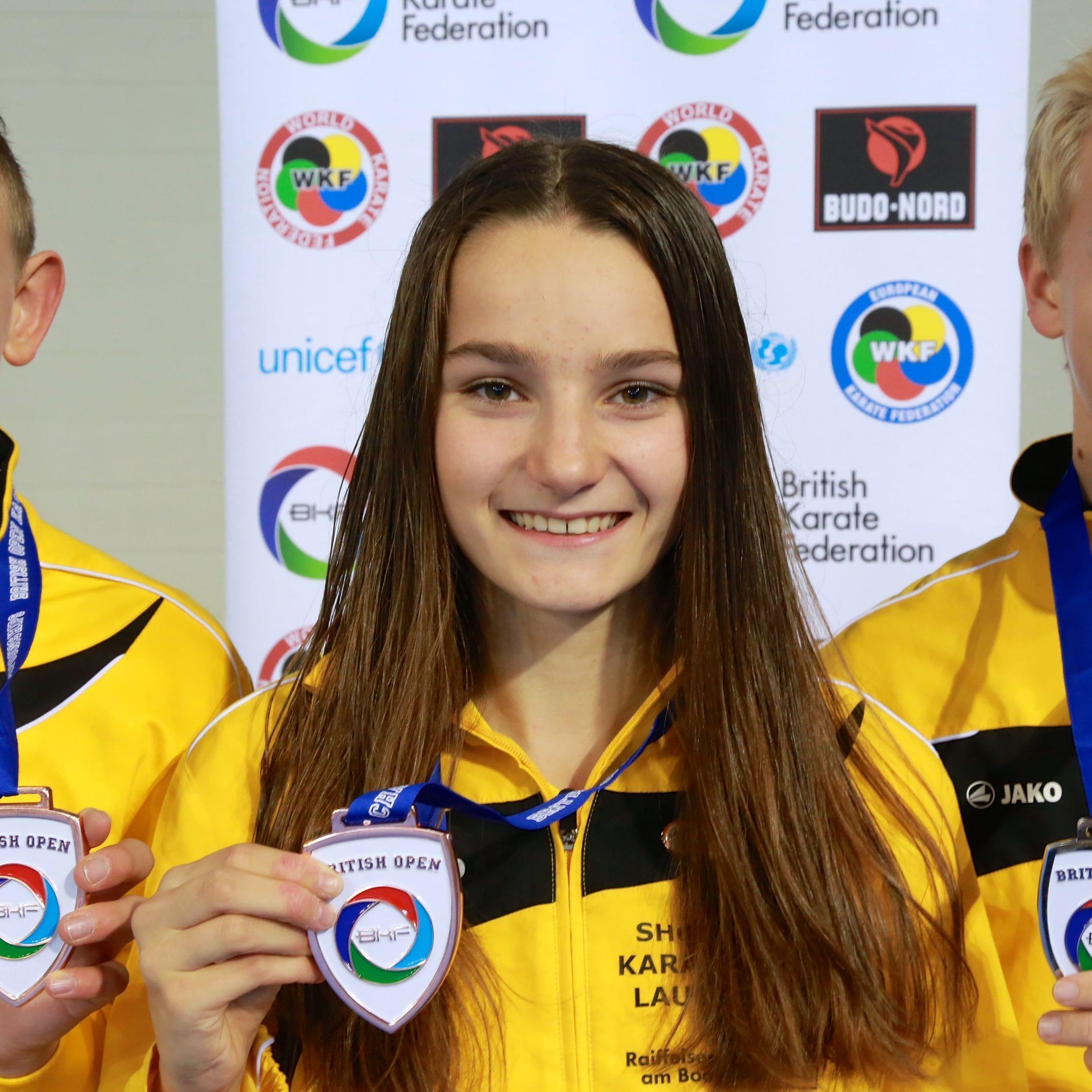 Jubel bei den jungen Lauteracher Karatekas nach den starken Leistungen in England.