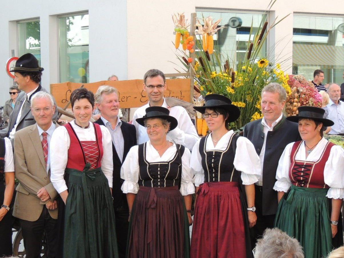 Vertreter der Vorarlberger Bauernschaft mit Politiker beim Bregenzer
