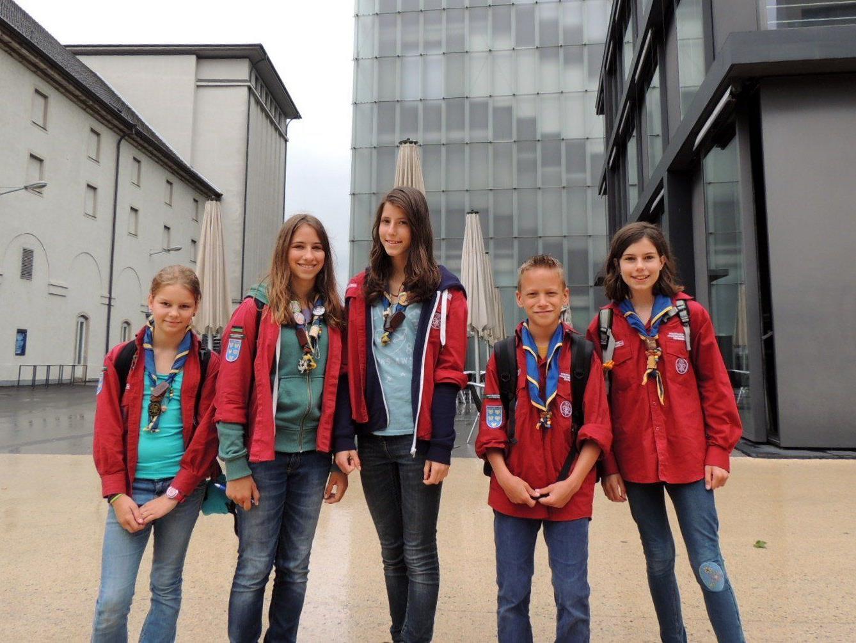 Anna, Kathrin, Theresa, Jakob und Franziska besuchten mit ihren Pfadfindergruppen Bregenz