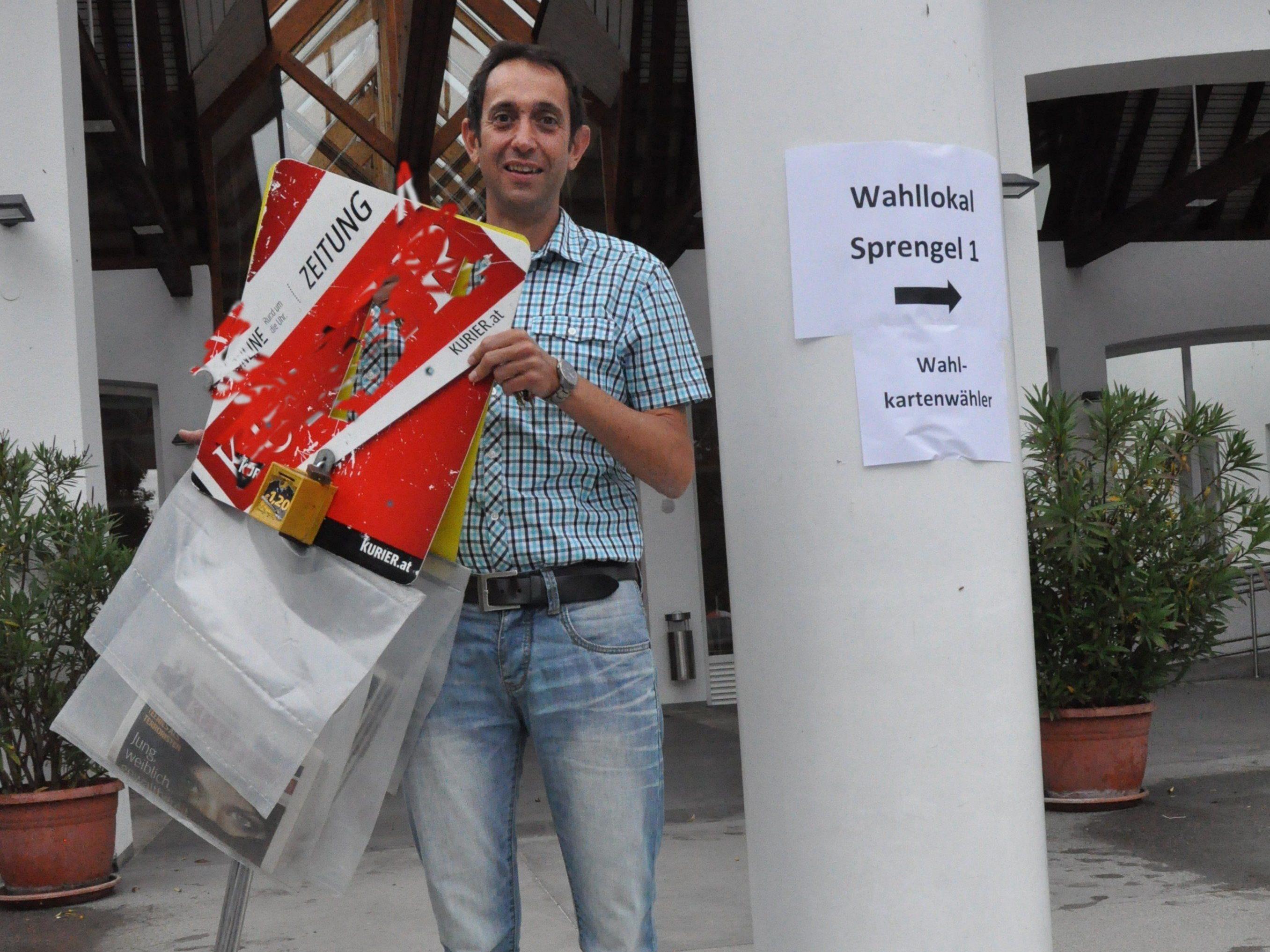 Die Wahlwerbung vor dem Wahllokal wurde entfernt