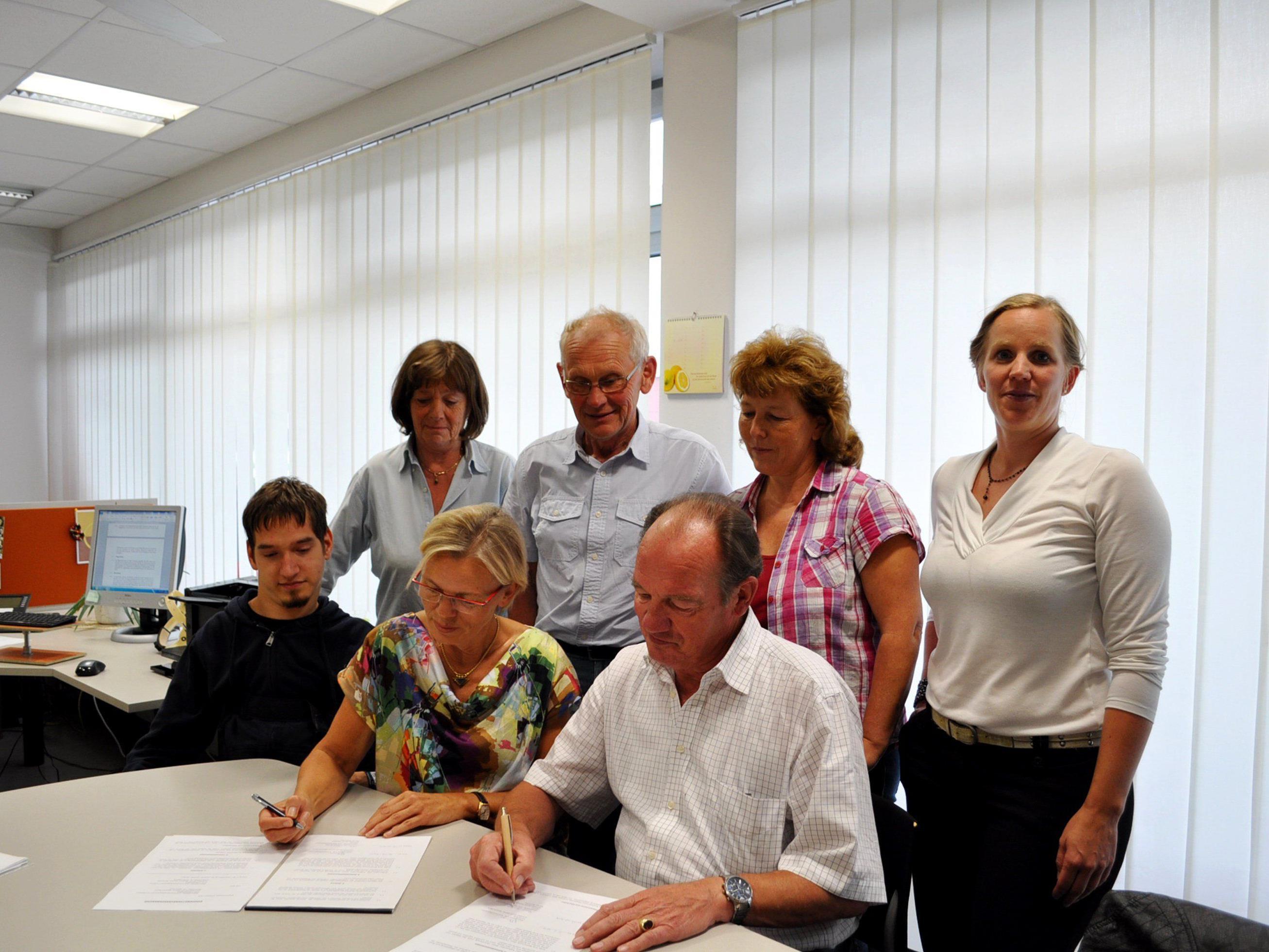 Die Verantwortlichen unterzeichneten den Kooperationsvertrag im Büro des GKPV Vorderland in Sulz.