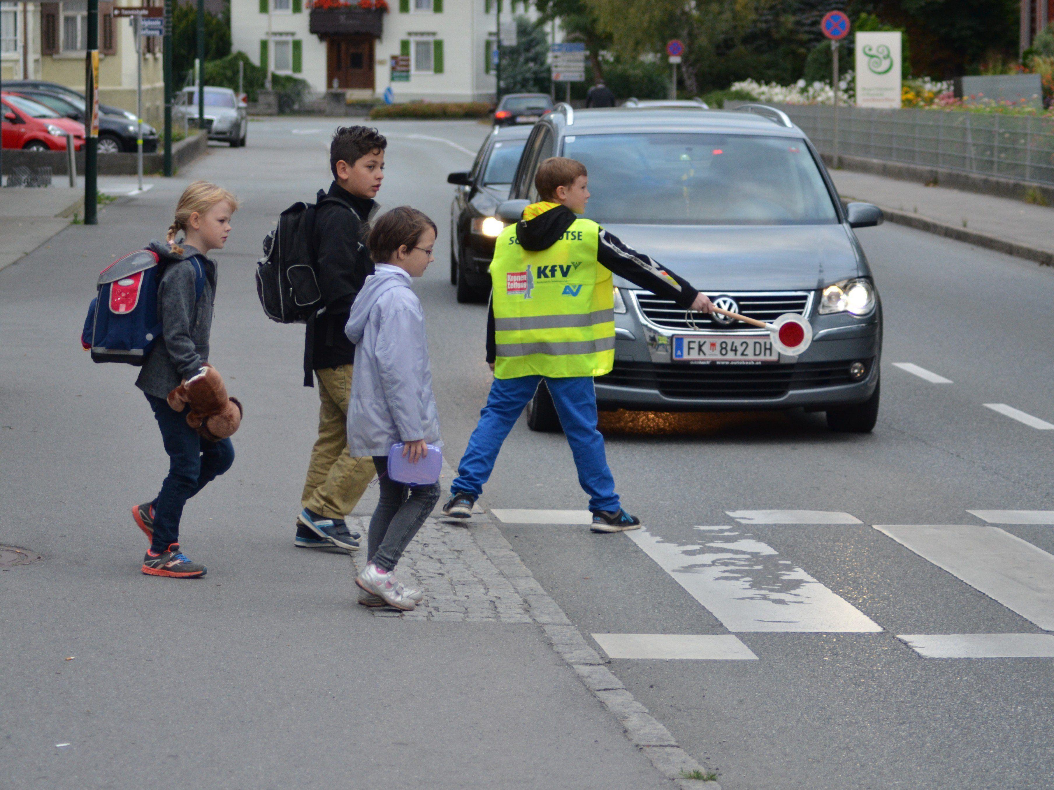 Die Schoolwalker Aktion eine Motivation für die Kinder zu Fuß zur Schule zu gehen.