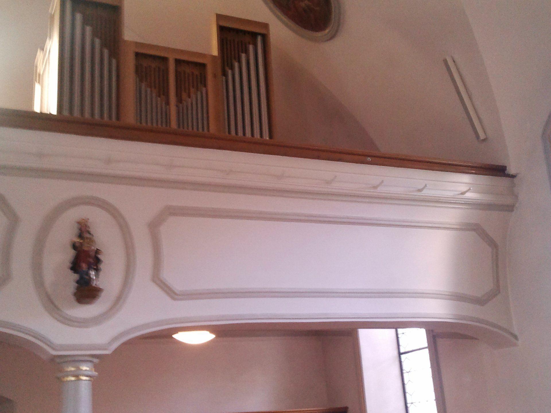 Orgelaufbau Fa. Pflüger in Pfarrkirche St. Agatha Meiningen