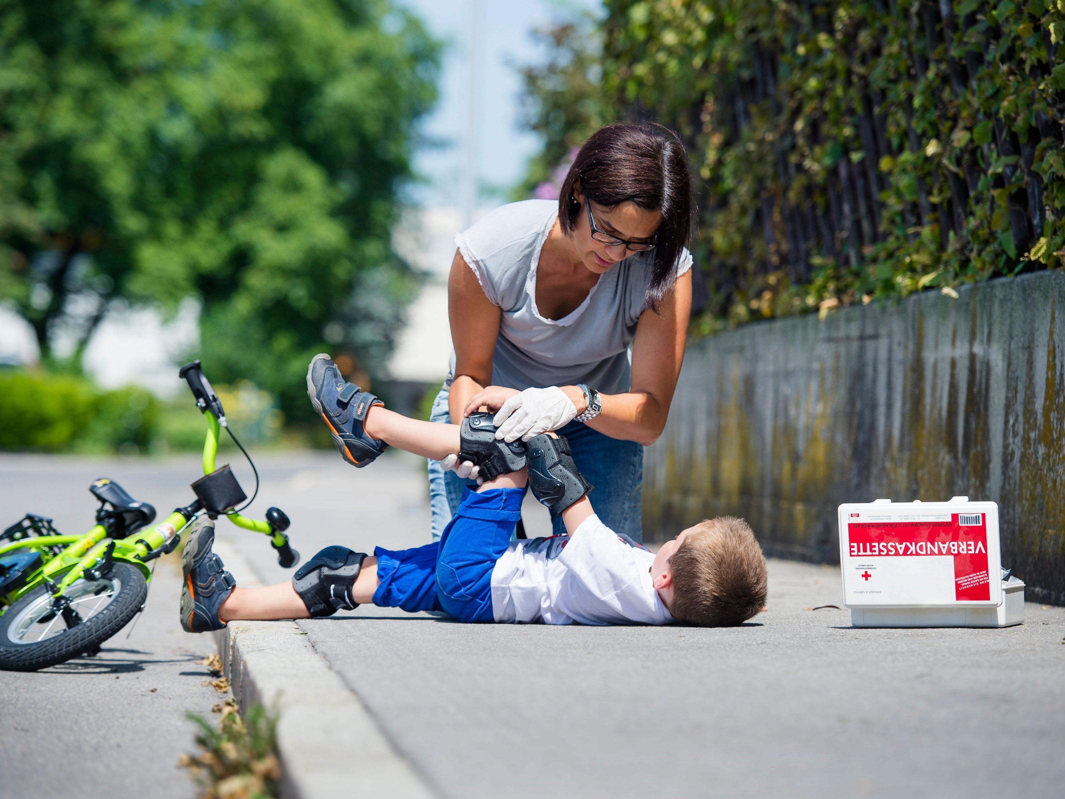 Wichtige Betreuung einer engagierten Ersthelferin an der Unfallstelle.