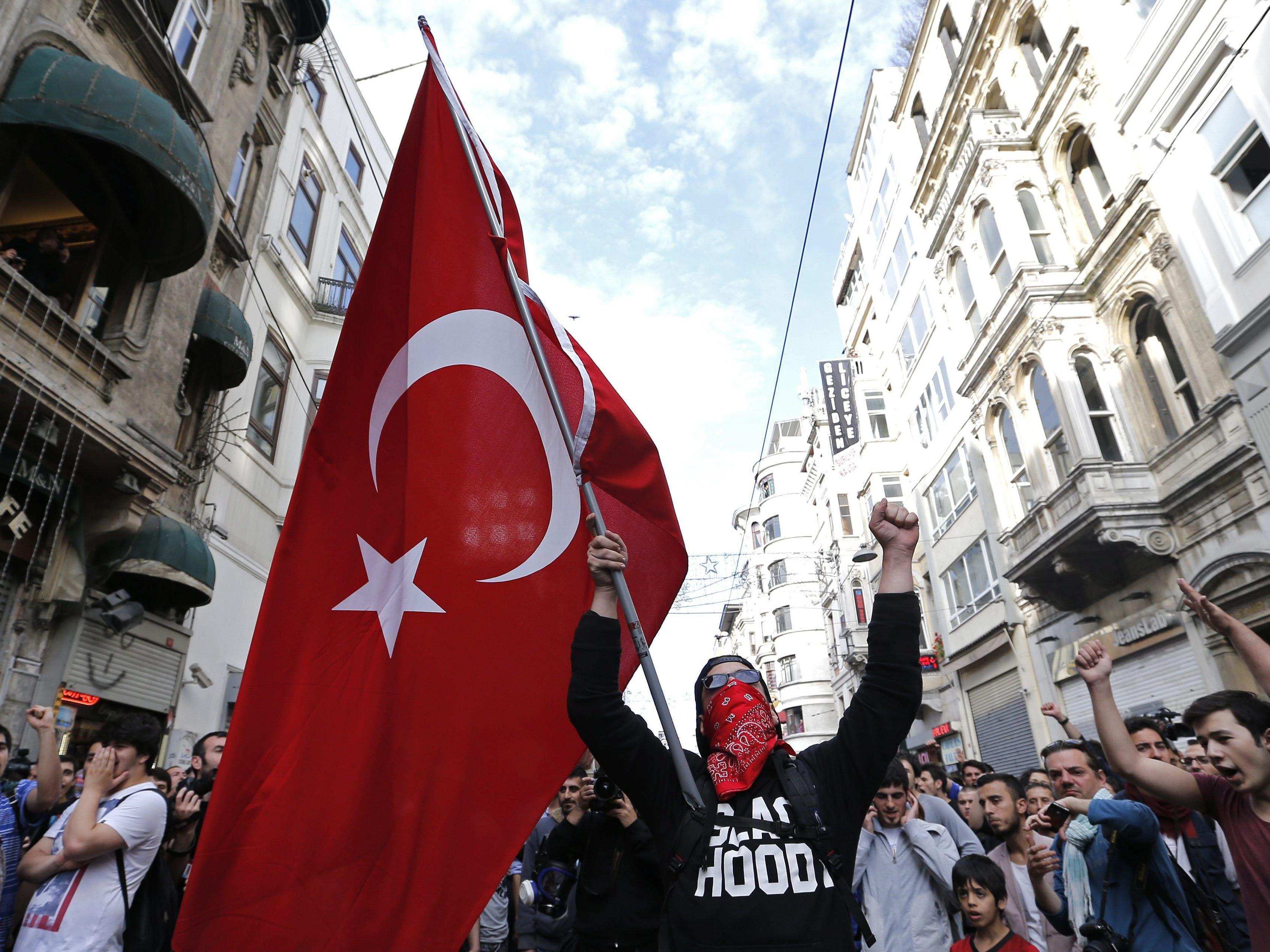 Demo anlässlich des ersten Jahrestages der Gezi-Park-Proteste in Istanbul am 31. Mai 2014