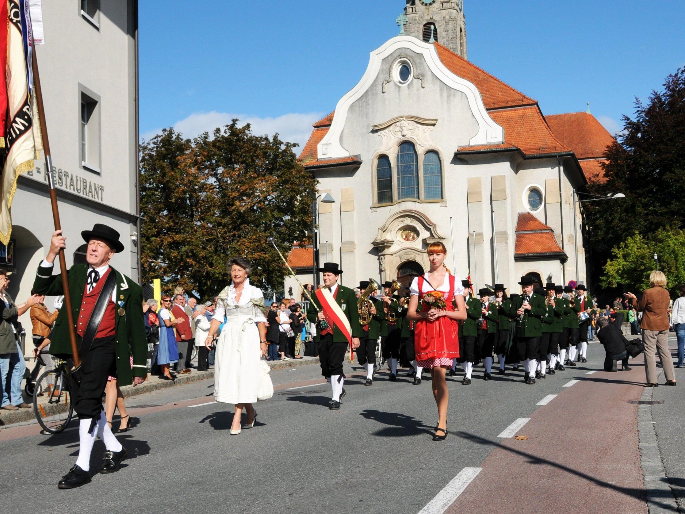 Der MV Bildstein beim Festumzug in Höchst