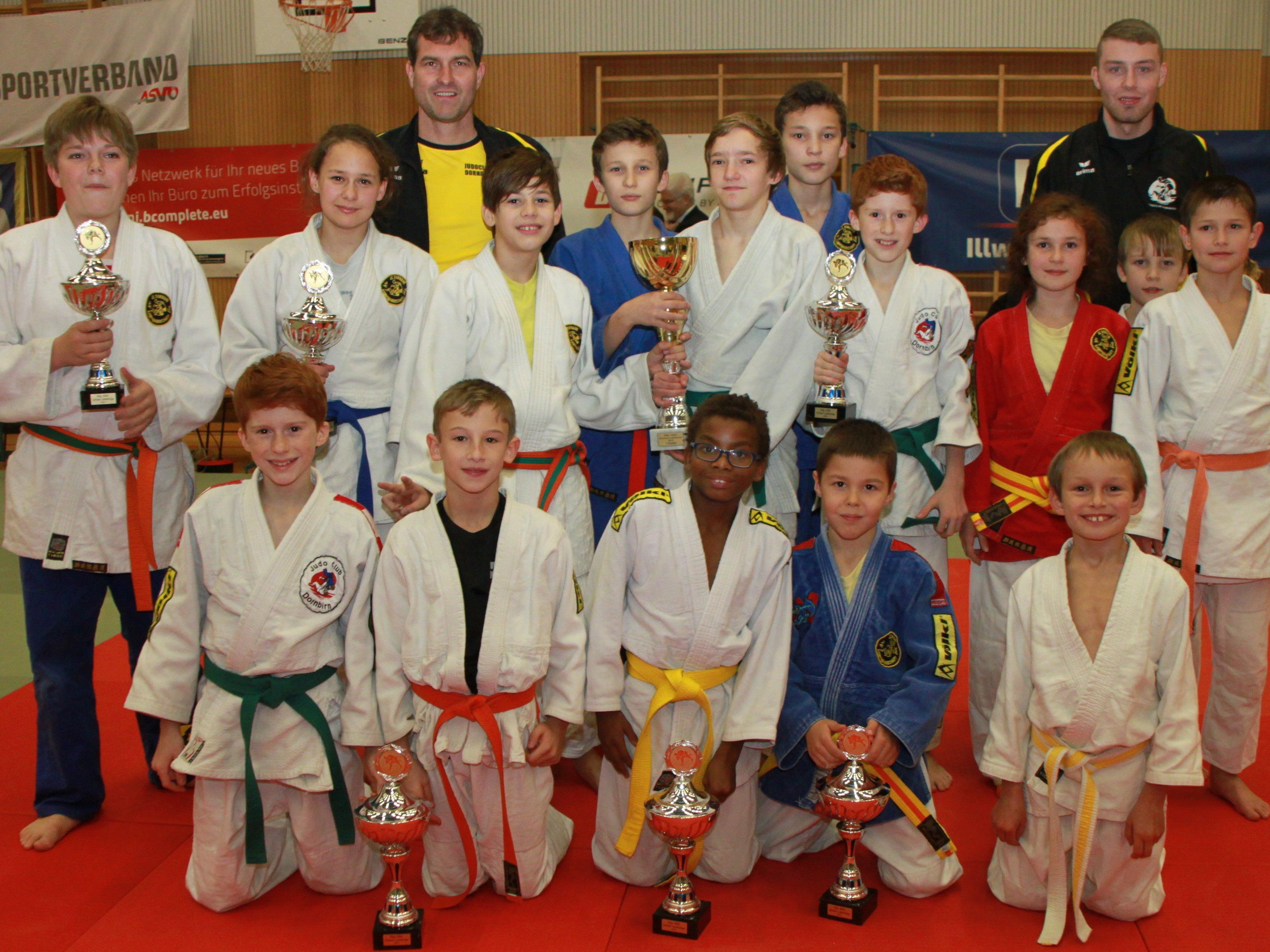 """Kraft, Ausdauer, Geschicklichkeit, """"Kämpfen mit Köpfchen"""" sowie Verantwortung werden im Judosport gelernt."""