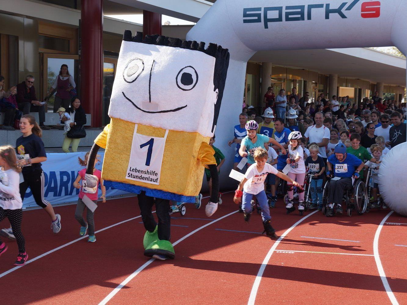 Rund 500 Läuferinnen und Läufer erliefen beim 16. Stundenlauf der Lebenshilfe Lustenau mehr als 24.000 Euro.