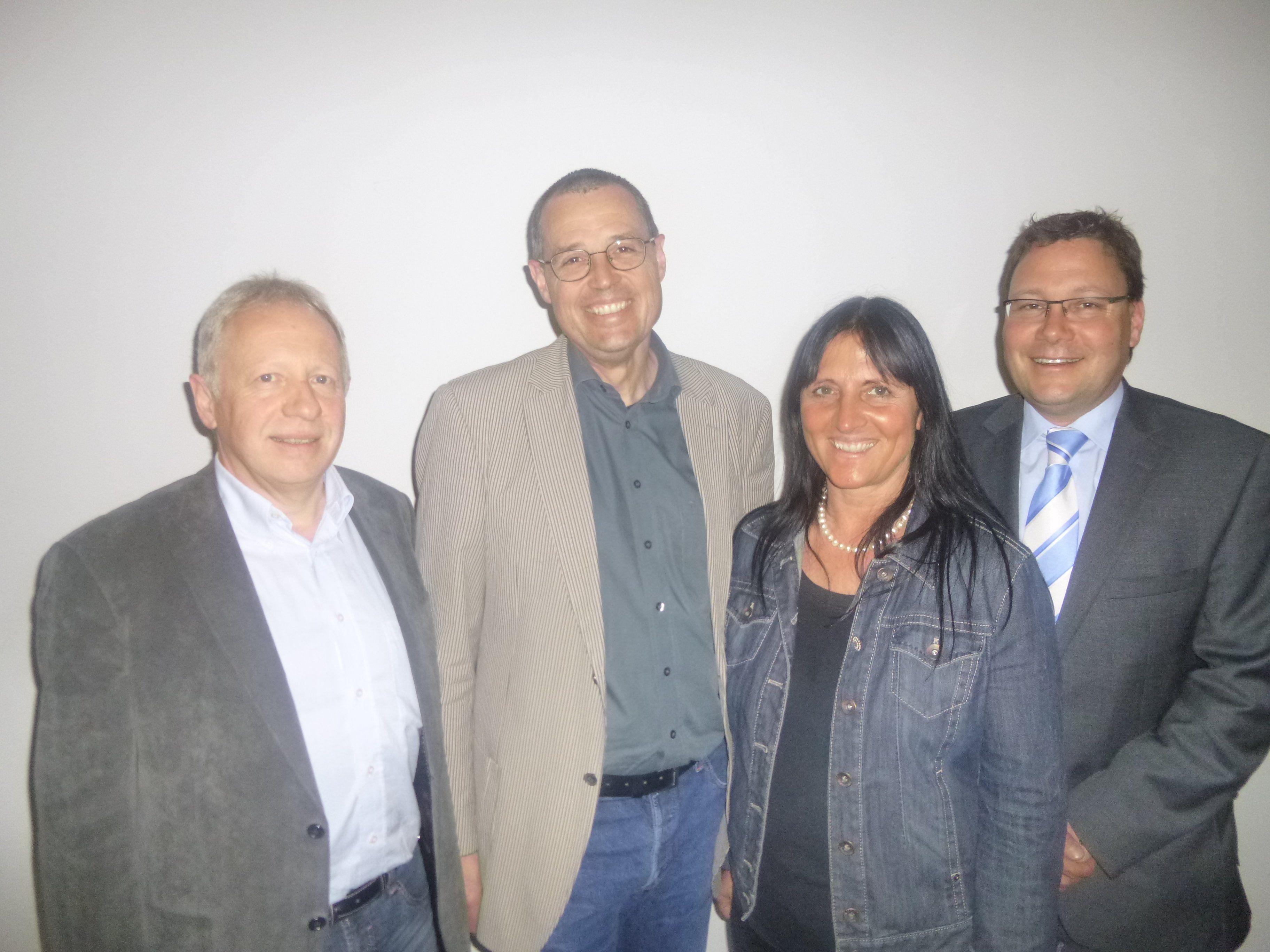 Vorstand der ARGE Vorarlberger Erwachsenenbildung: Christian Kopf, Hans Rapp, Ulrike Unterthurner. Stefan Fischnaller