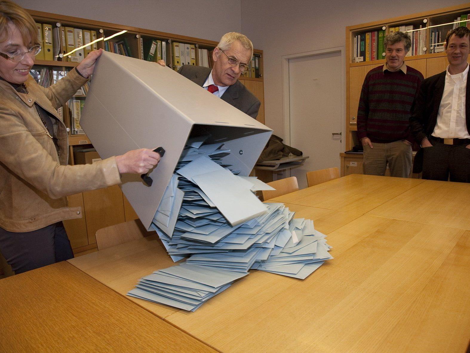 Rund 25.000 Vorarlberg geben ihre Stimme per Wahlkarte ab.