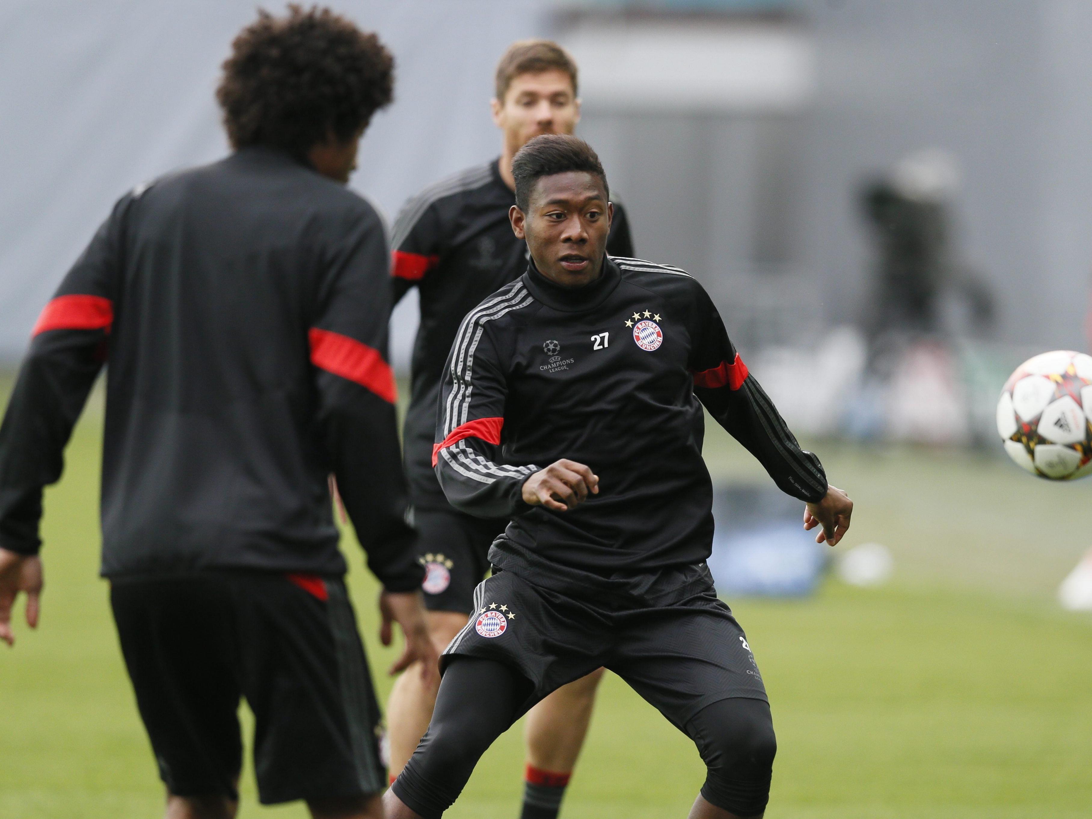 """ÖFB-Star David Alaba reiste mit den Bayern bereits am Sonntagabend zum """"Geisterspiel"""" nach Moskau."""