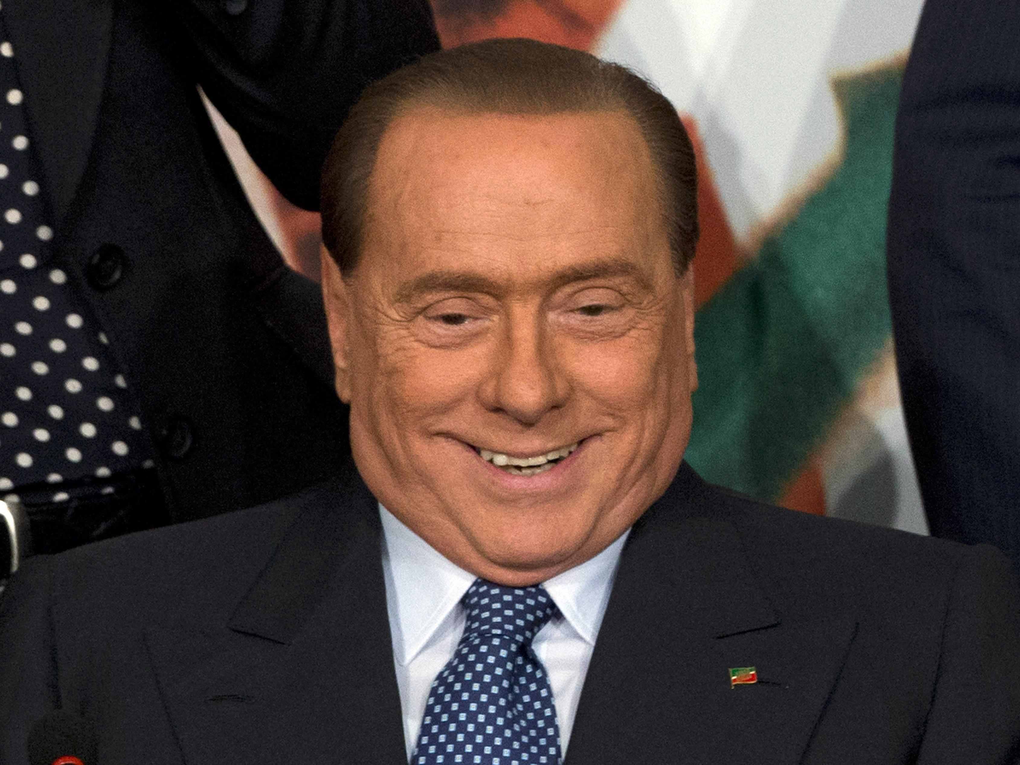 """Silvio Berlusconi muss ab sofort """"nur noch"""" zwei Millionen im Monat an Unterhalt zahlen."""