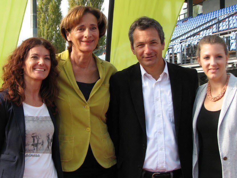 Silvia König-Fink (Team Sparkasse Marathon), Schul- und Sportlandesrätin Bernadette Mennel, Sportreferatsleiter Michael Zangerl und Ines Leuprecht (Team Vorarlberg >>bewegt)