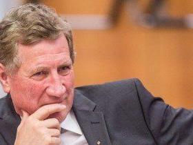 Landesrat Schwärzler ist gegen Erstaufnahmezentren in Bundesländern und gegen Quotenaufteilung.