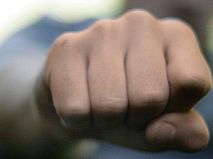 Prozess um Körperverletzung und versuchte Nötigung endet mit Geldstrafe.