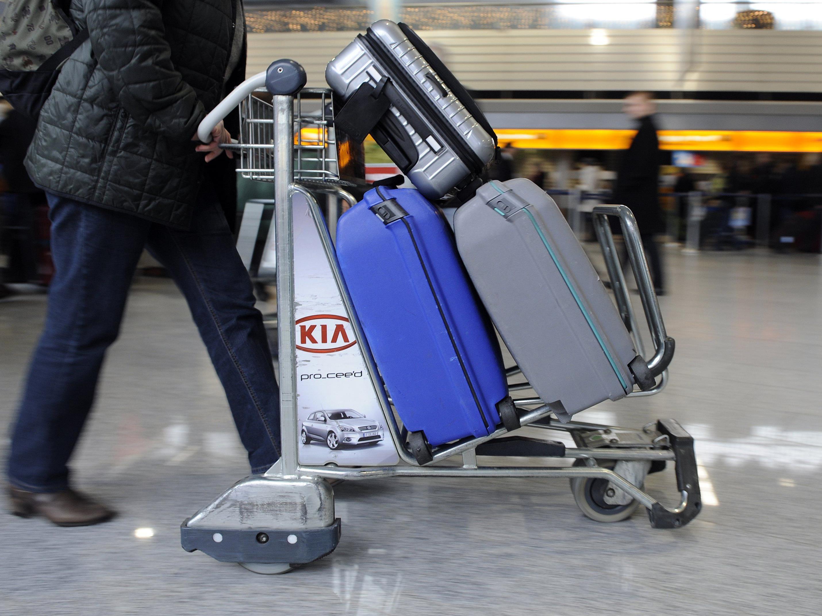 Extrakosten: Gerade Billigflug-Gesellschaften machen damit ihr Geld