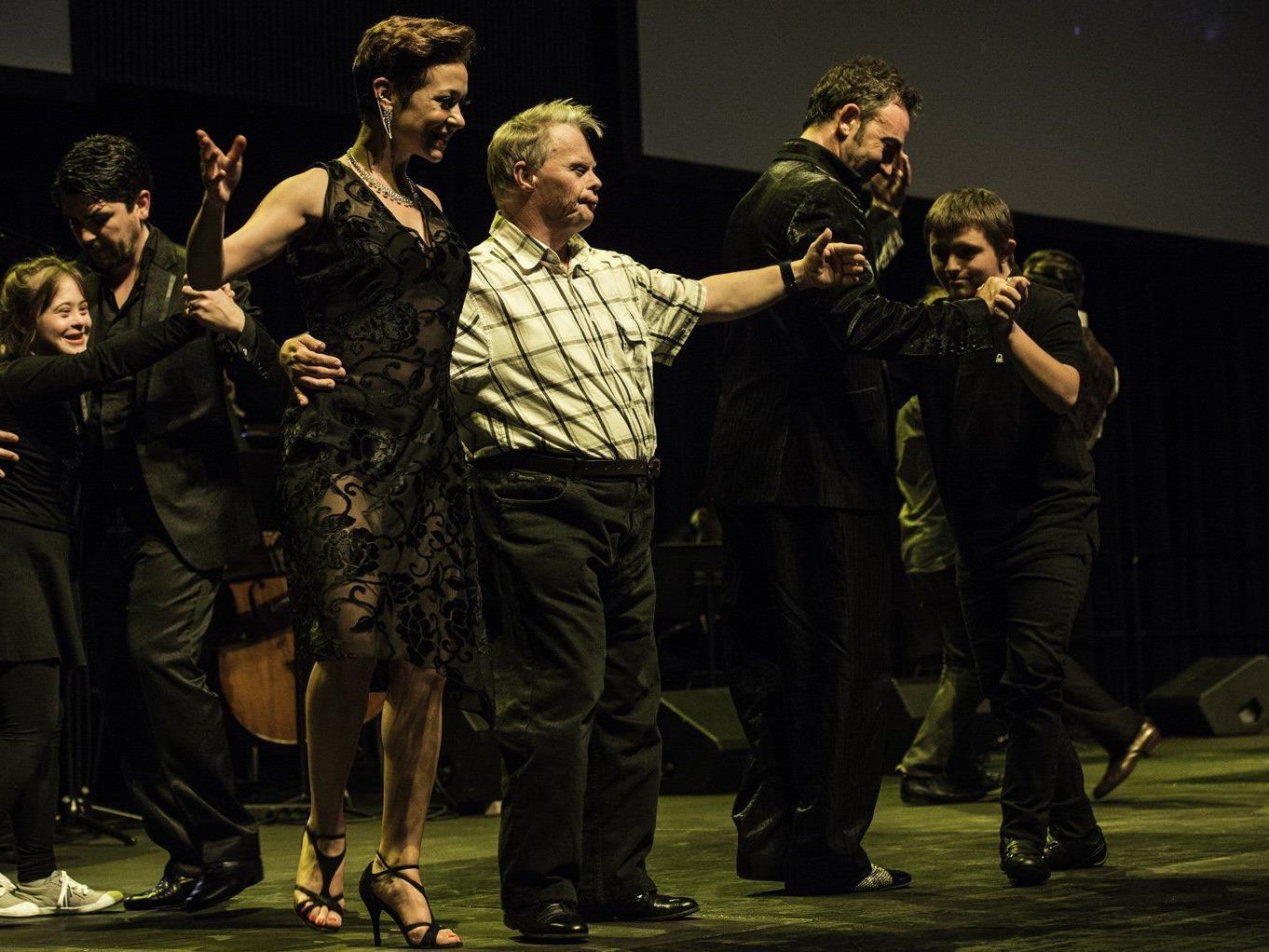 """Heute ab 18.30 Uhr gibt es """"Inklusion hautnah"""" mit Tango im Festspielhaus - bei freiem Eintritt!"""