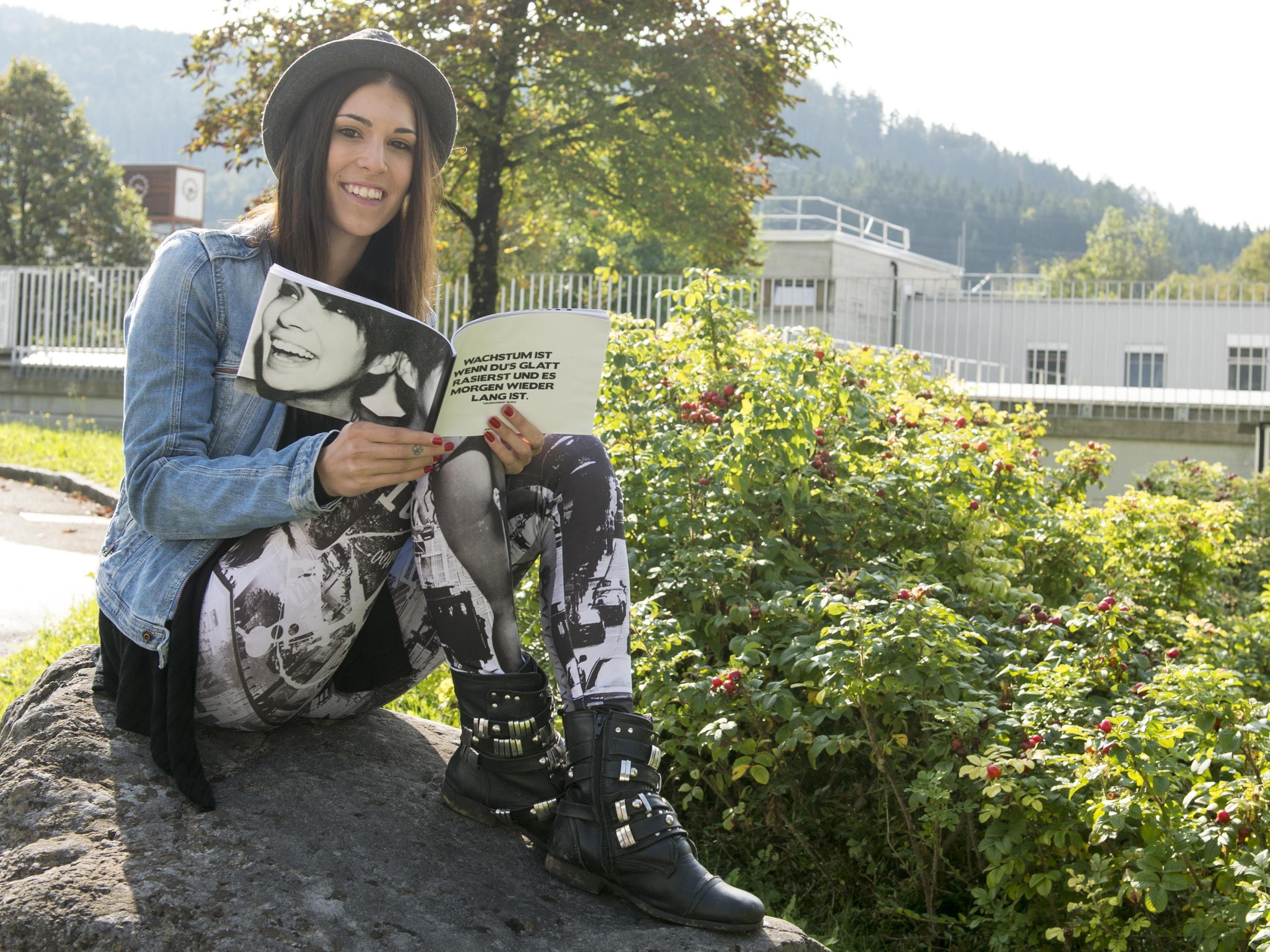 Julia Amann ist an MS erkrankt und hat ein Buch darüber geschrieben.