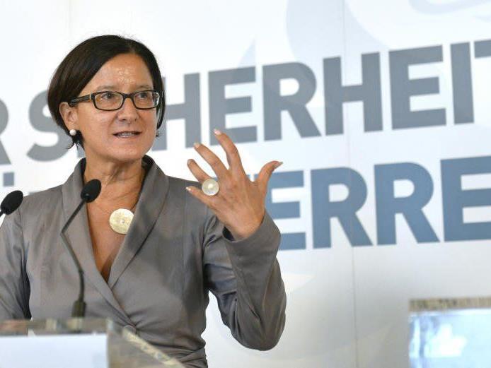 Asylgipfels mit Innenministerin Johanna Mikl-Leitner