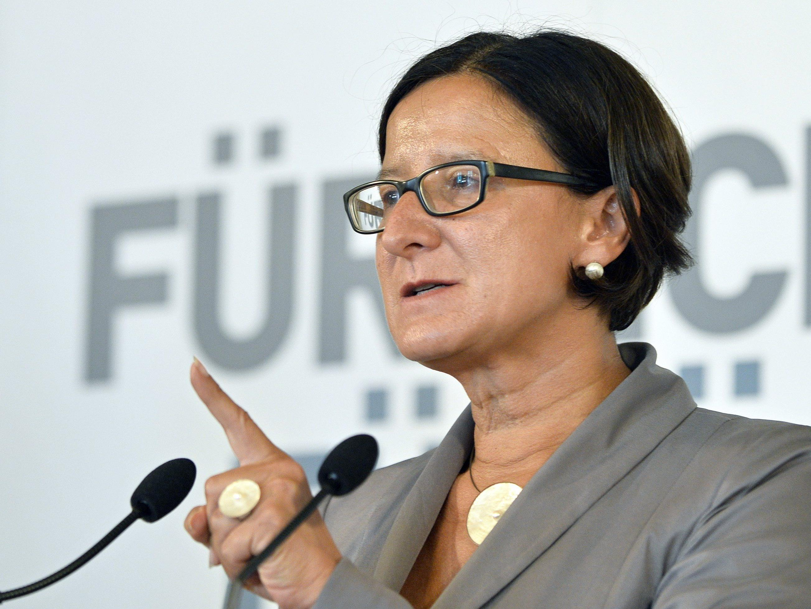Mikl-Leitner will das Bundesheer um einen Assistenzeinsatz ersuchen.