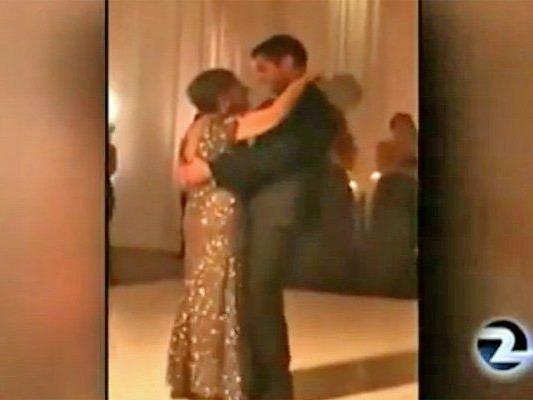 Trotz der Krebserkrankung wollte die Mutter unbedingt auf der Hochzeit ihres Sohnes mit ihm tanzen.