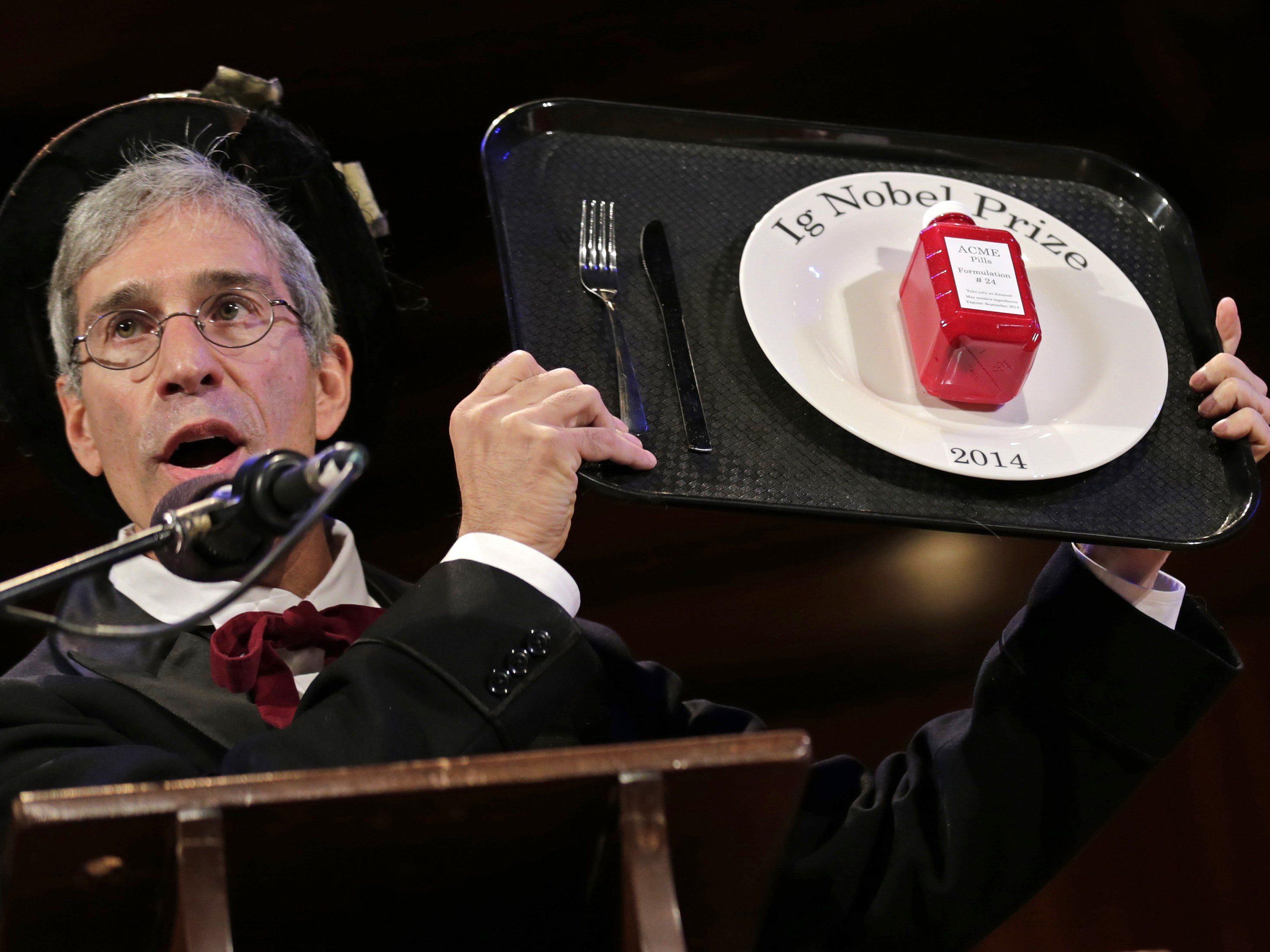 Ig-Nobelpreise 2014: Klamaukig-schrille Verleihung in Harvard. Im Bild: Marc Abrahams.