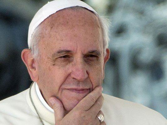 """Kardinal Kasper: """"Ziel der Polemik ist der Papst."""""""