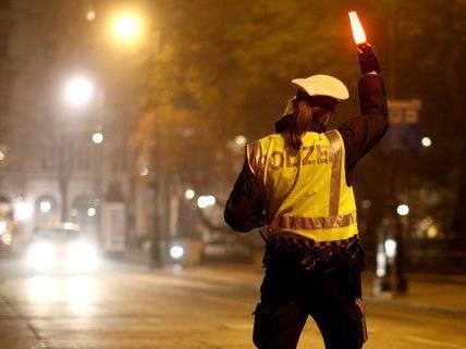 12 Stunden lang hat die Polizei am Wochenende live über ihre Einsätze berichtet.