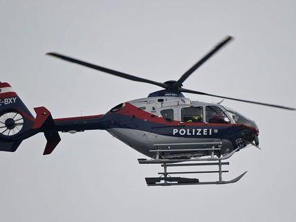 Auch ein Polizeihubschrauber war bei der Verfolgungsjagd im Einsatz.