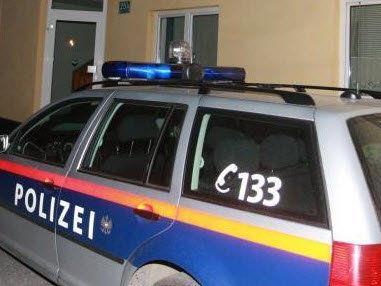 Auf Fahrt zu Polizeiposten Dienstwaffe ergriffen