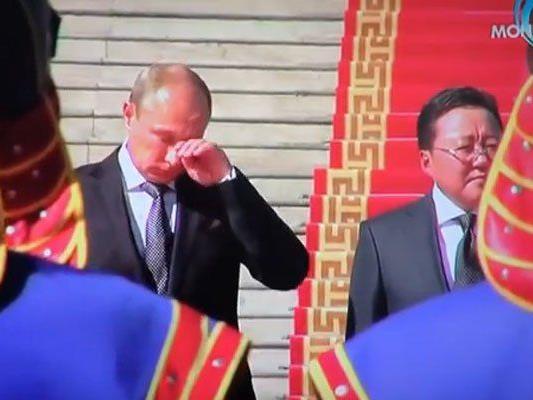 Putin zeigt Emotionen.