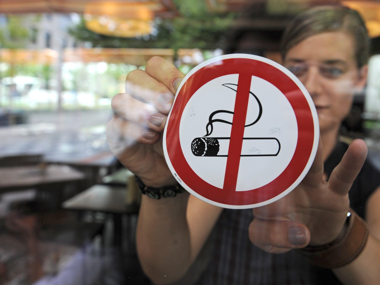 Neuer Anlauf für totales Rauchverbot in Österreichs Lokalen.