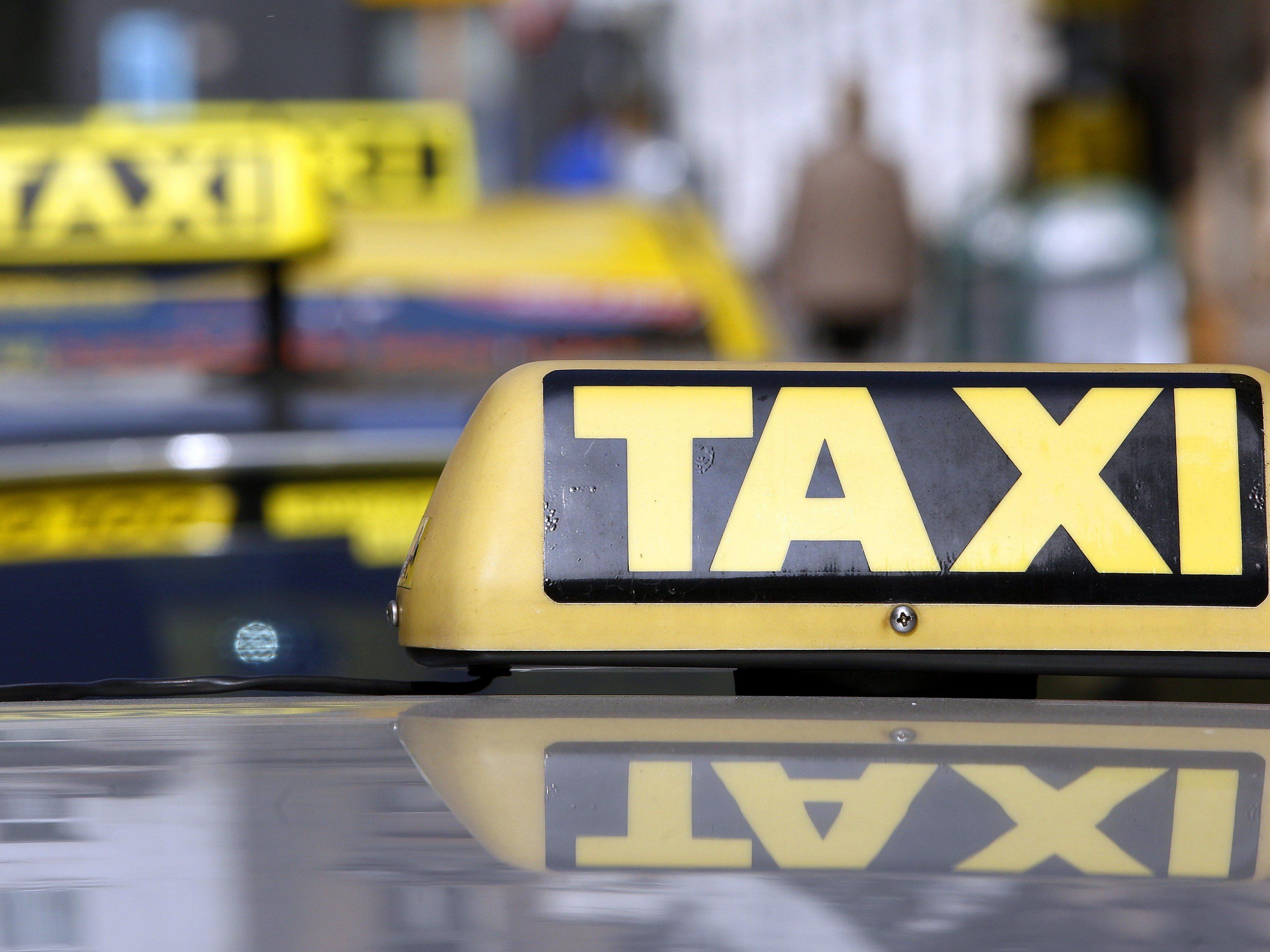 Taxis bieten keine Gratisfahrten an, die eine Kellerin feststellen musste.