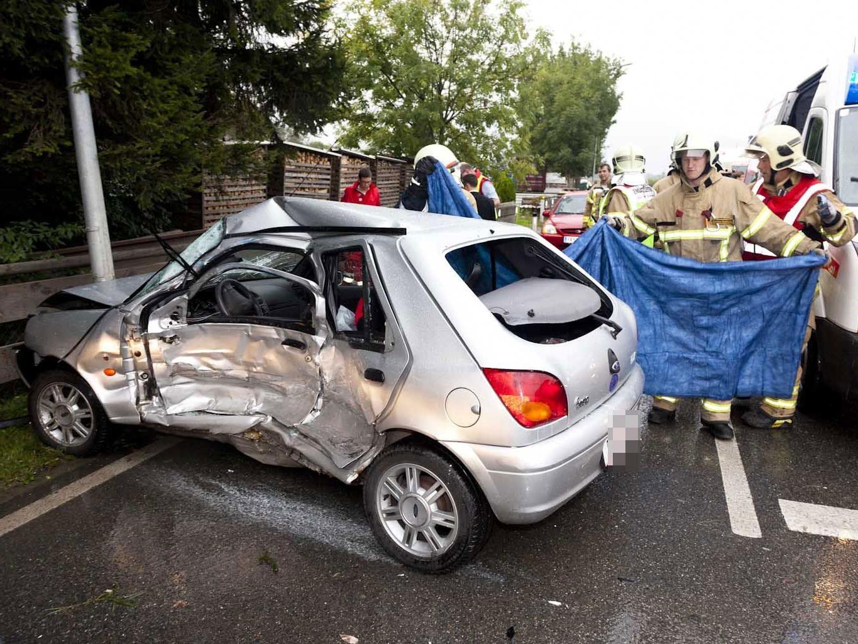Die Pkw-Lenkerin erlag noch an der Unfallstelle ihren Verletzungen